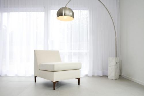 Arco lamp (Shutterstock.com/Jodie Johnson)