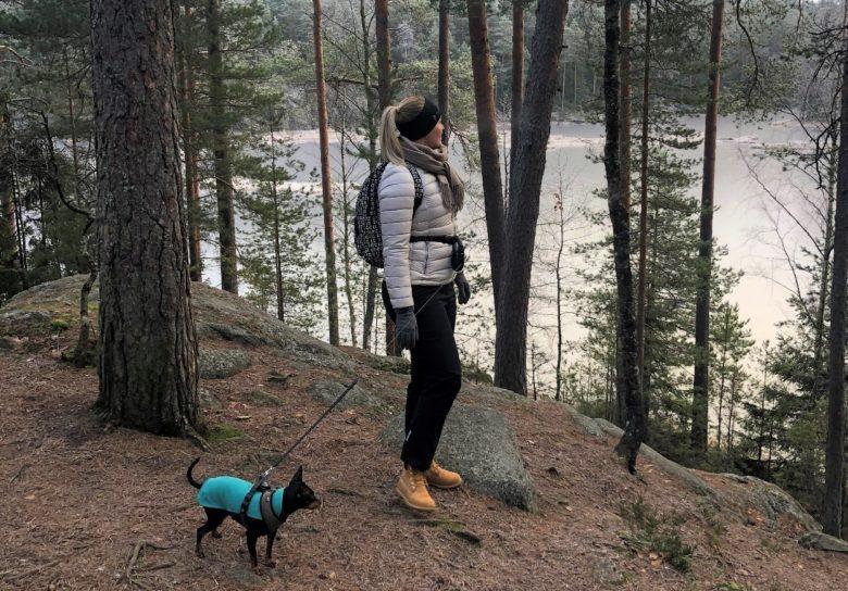 Emilia with the dog