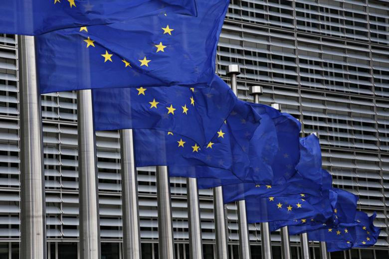liehuvia Euroopan unonin lippuja